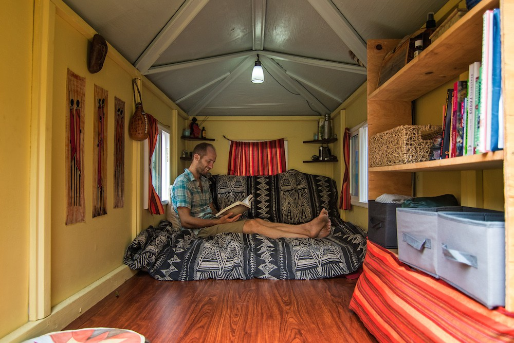 sleep for free-tiny house inside