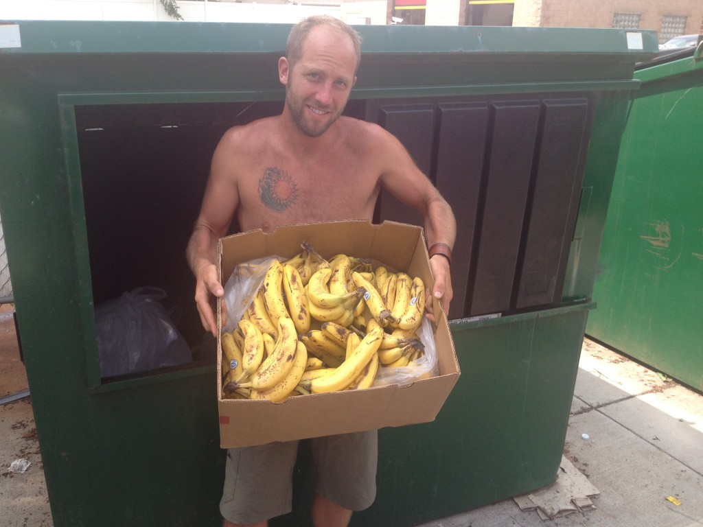 Dumpster Diving Across Wisconsin with Rob Greenfield5